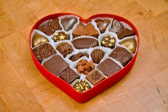 1280px-valentines_chocolates